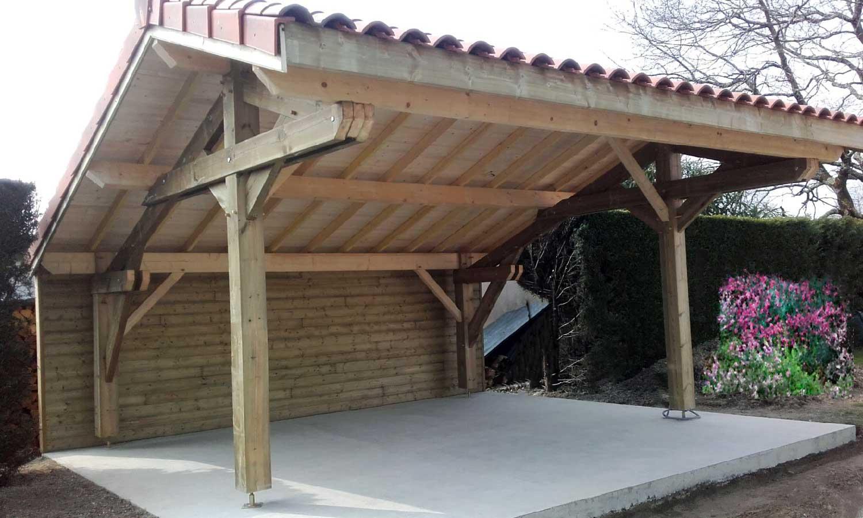 Carport en bois toit en tuile double pente